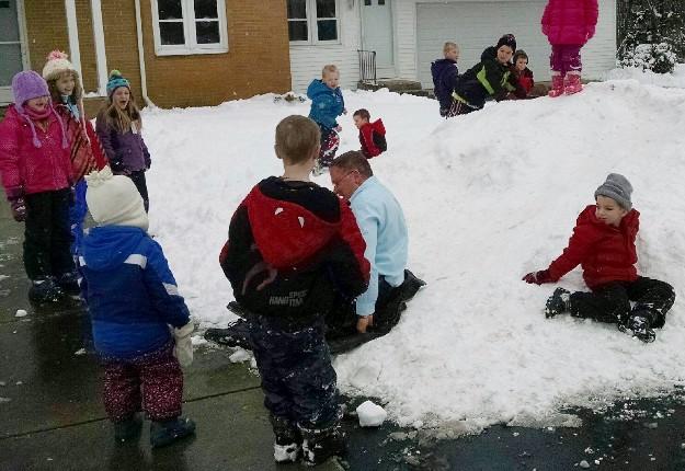 2016-snowfun-with-deacon